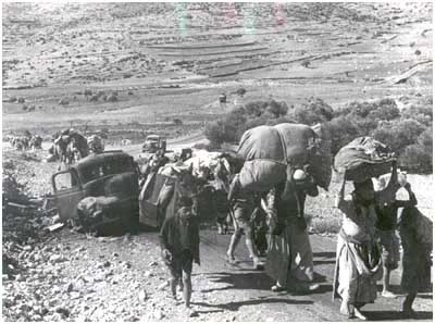 Arabs leave their villages in Galilee after they fall into Jewish hands