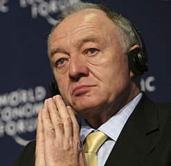 Ken Livingstone in 2008 (bron: World Economic Forum / Wikimedia Commons)